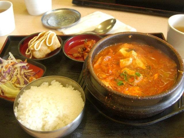 Kimchi jiggae